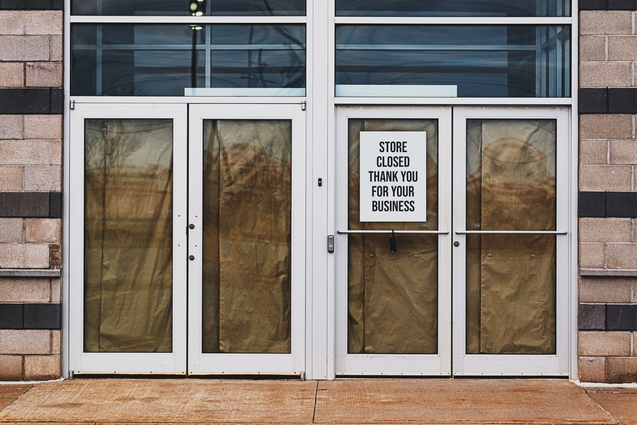 store-closing-min